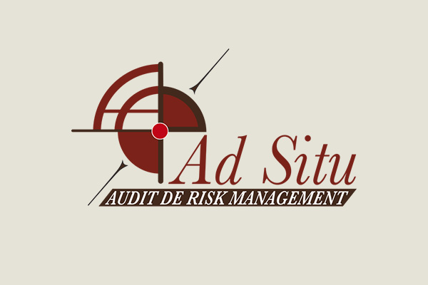Ad_Situ_MARRON_FONCE
